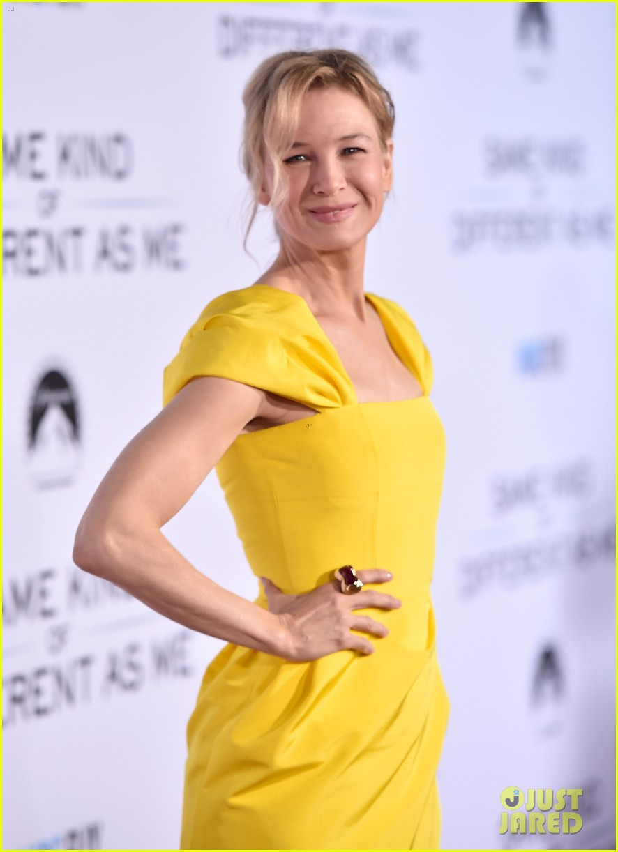 renee zellweger is pretty in yellow at same kind of different as me premiere 123971832