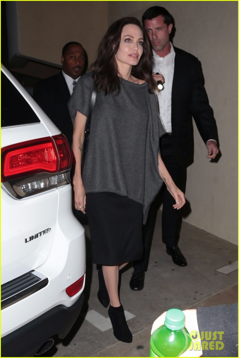 angelina jolie meets fans outside before q a session 053987102