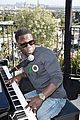 kevin hart gives impromptu performance at barclays uber visa card launch party 07