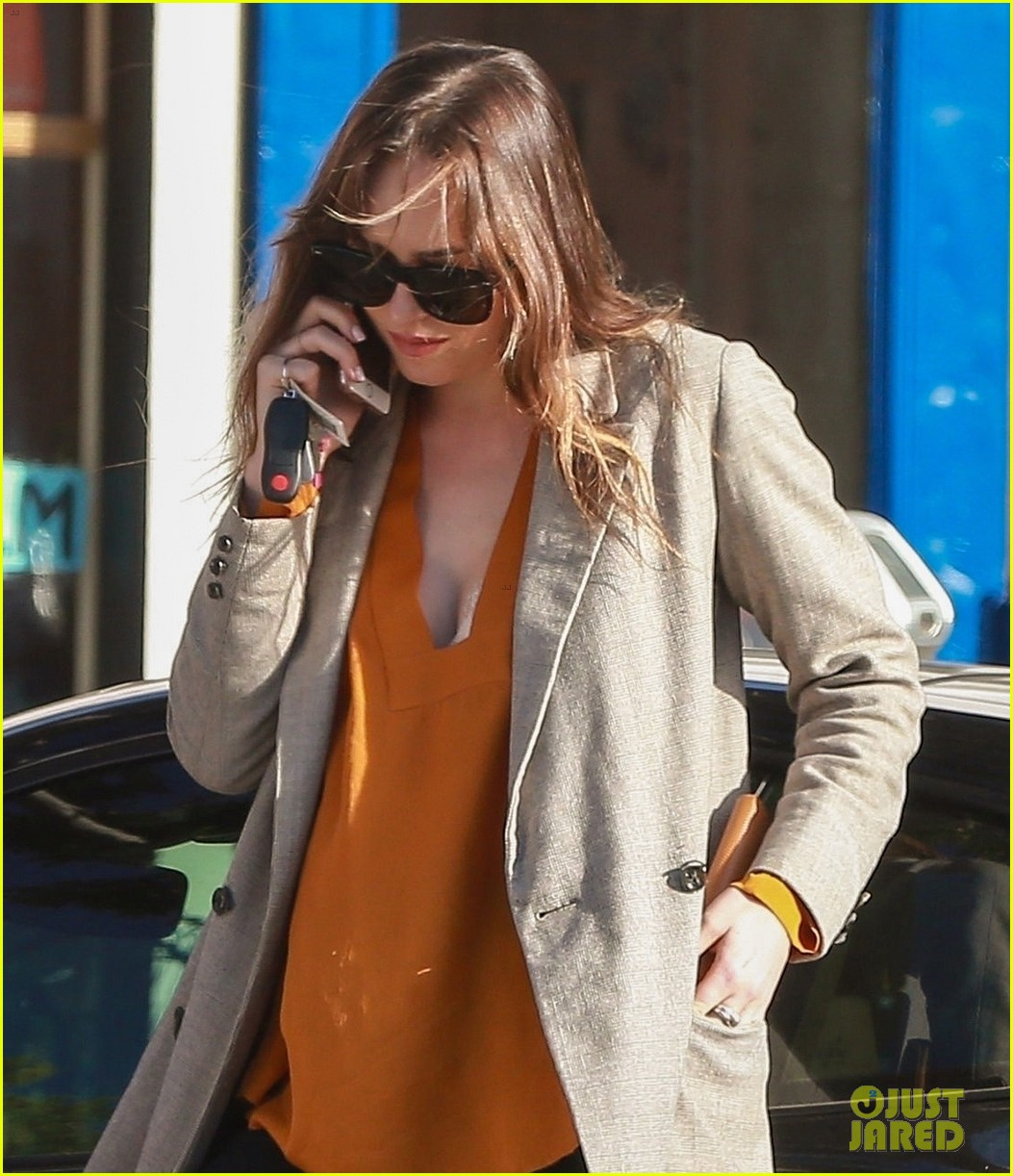 dakota johnson grabs coffee on a leisurely break in la 023985017