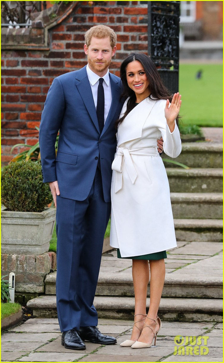Meghan Markle In A Line The Label Coat