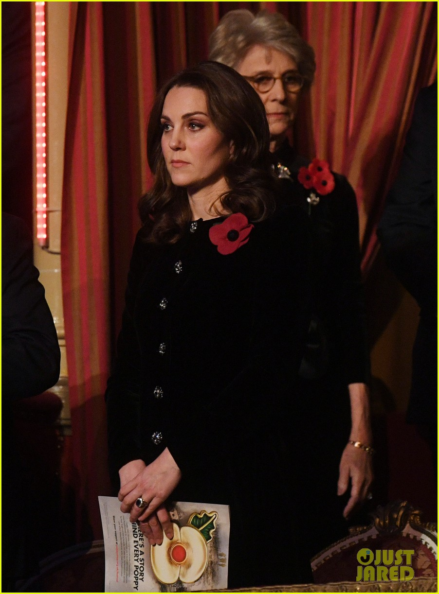 kate middleton joins the queen at festival of remembrance 043985846