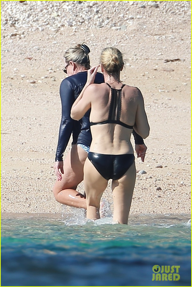 charlize theron hits the beach in cabo on thanksgiving day 023992043