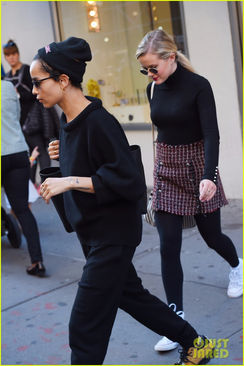 reese witherspoon daughter ava join zoe kravitz for lunch in nyc 013981470
