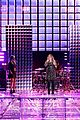 kelly clarkson medicine the voice finale 01