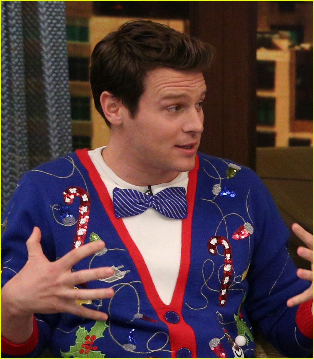 Meghan Mccain Fat: Jonathan Groff Found His 'Festive' Christmas Sweater At