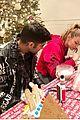 gigi hadid zayn malik families celebrate christmas 01