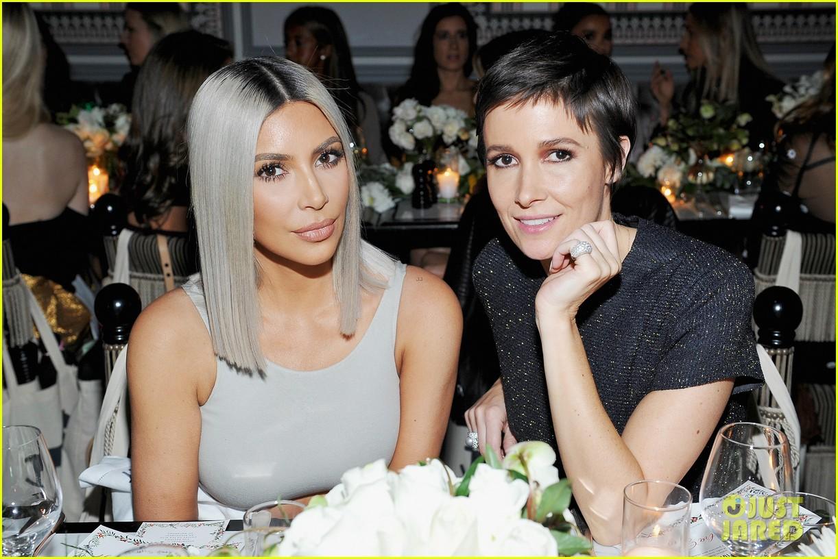 kim kardashian helps host the tot holiday pop up celebration 053997142