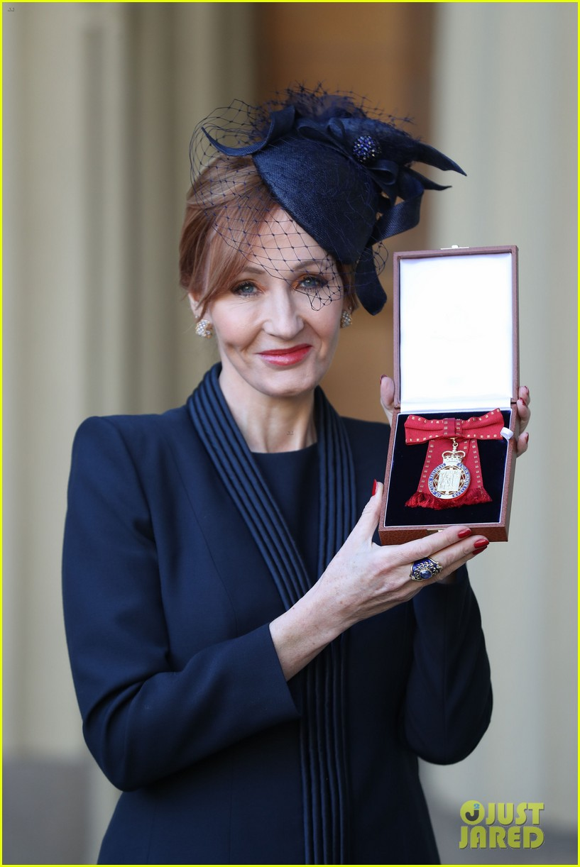 jk rowling honored by prince william 014000315