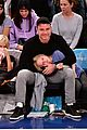 liev schreiber takes his sons to the knicks game 05