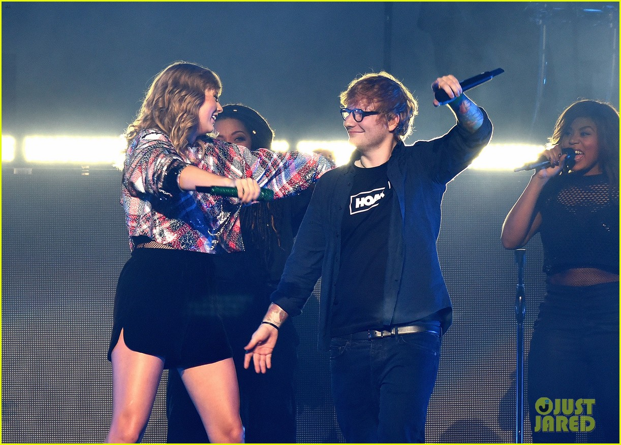 taylor swift brings ed sheeran to second jingle ball stop 023996151