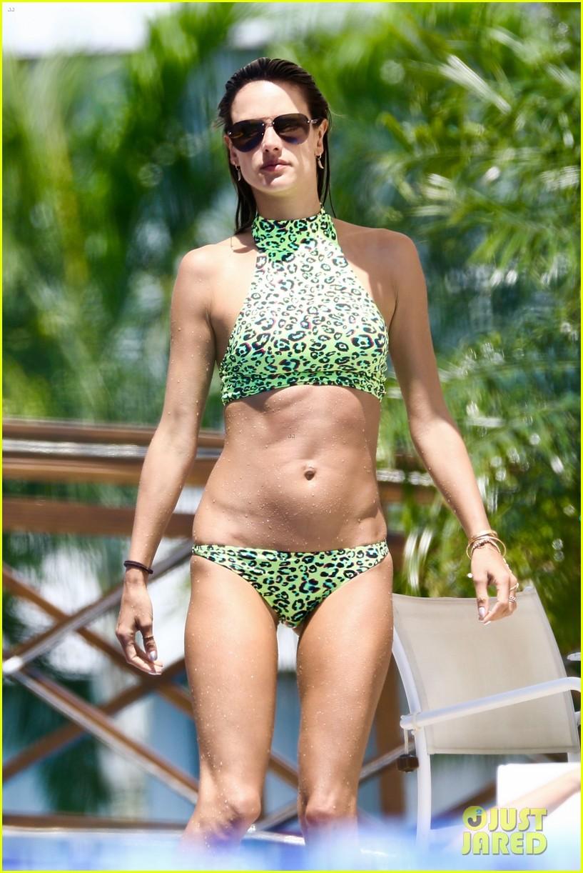 alessandra ambrosio bikini brazil vacation continues 014011027
