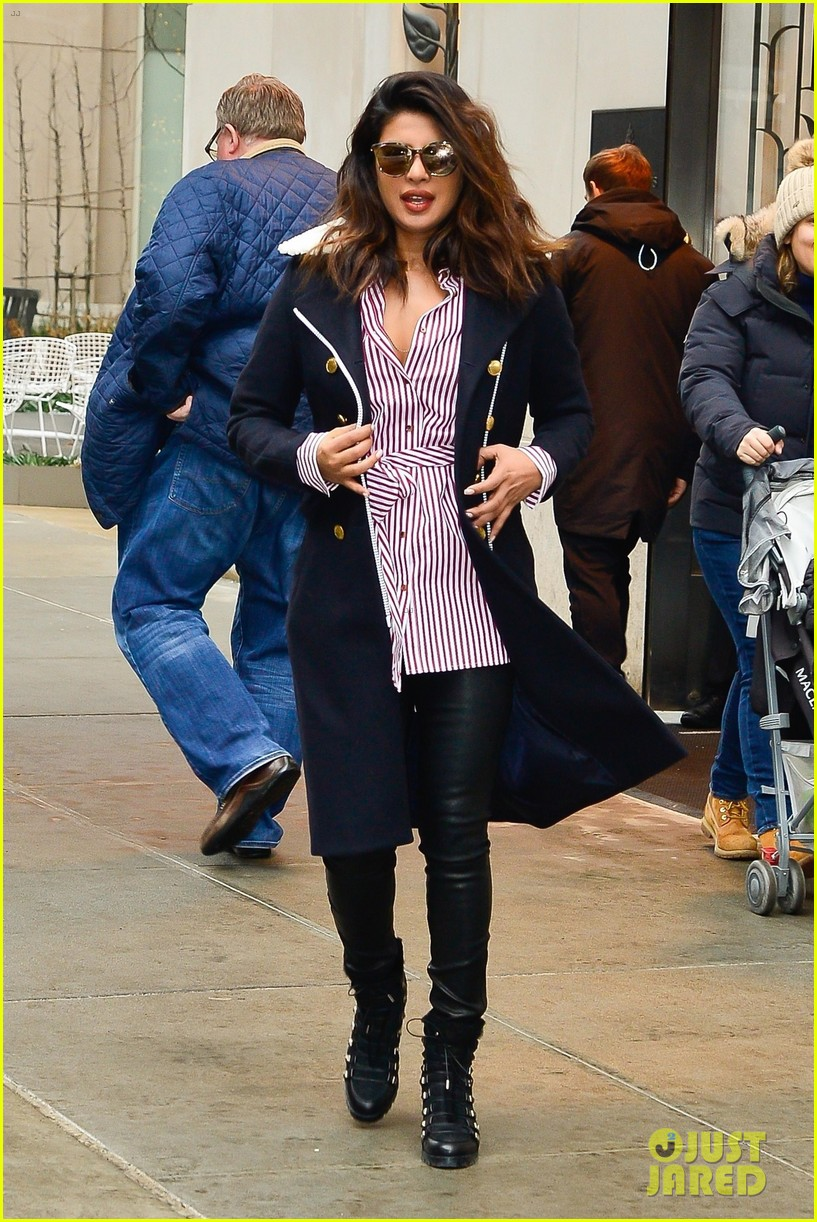 priyanka chopra and marlee matlin team up on quantico set 034014057