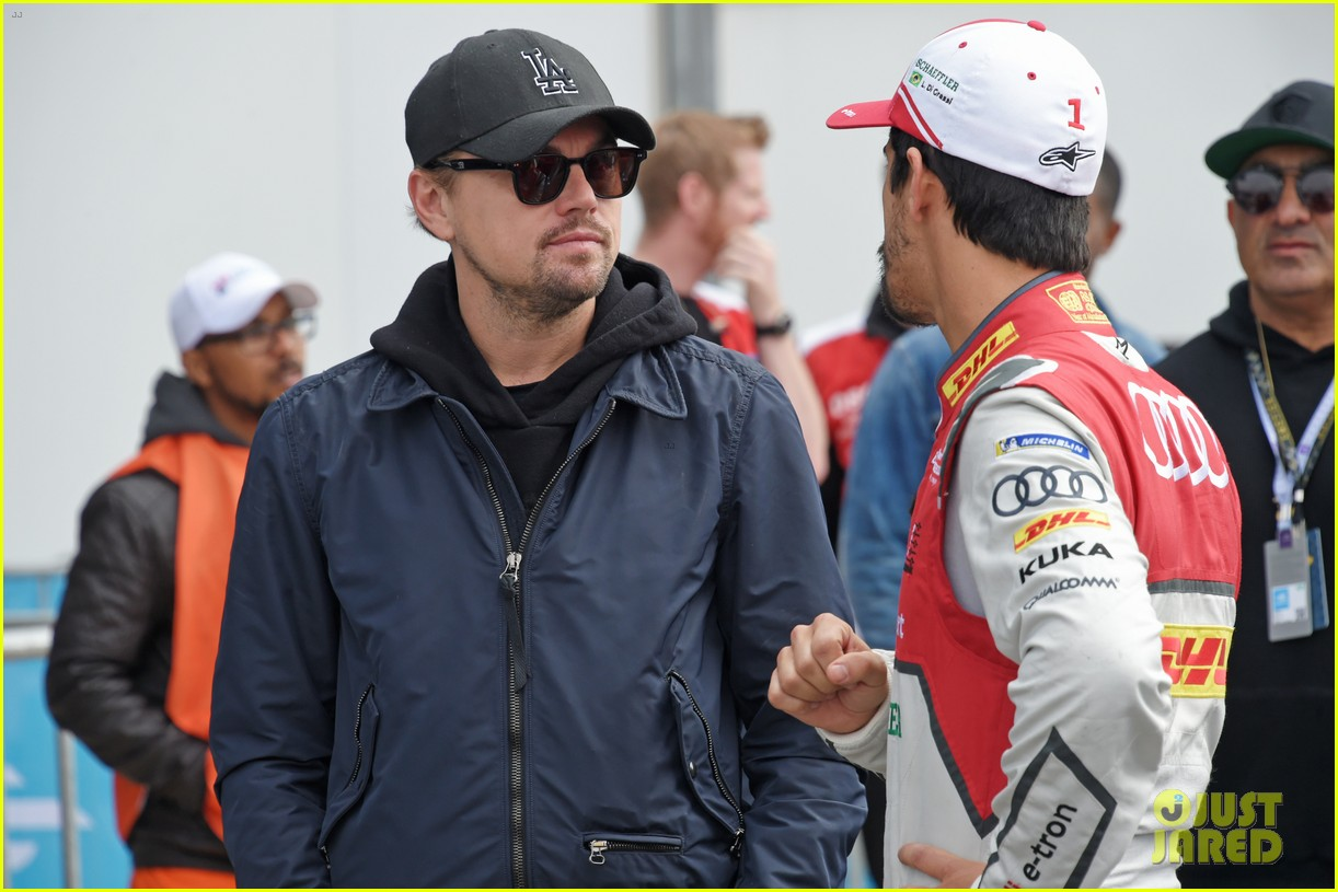 leonardo dicaprio checks out the races in morocco 054014228