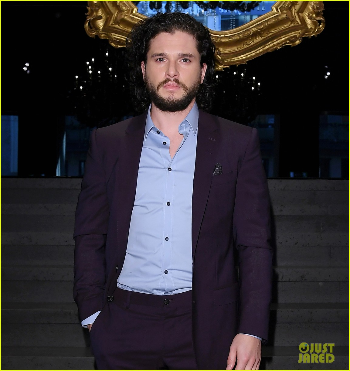 kit harington attends two dolce fashion shows in one day 024014273