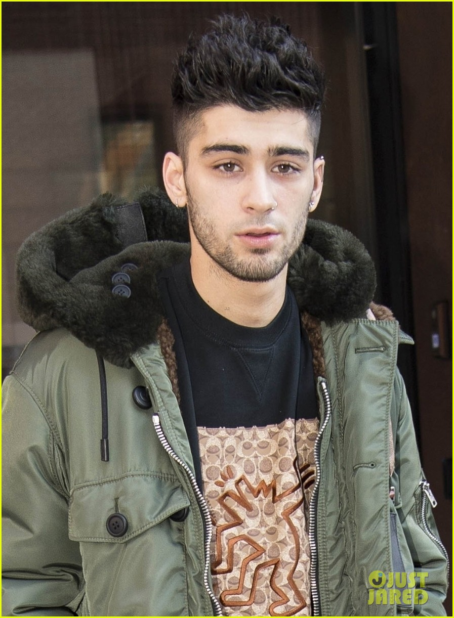 zayn malik makes a stylish exit from gigi hadids apartment 014012323