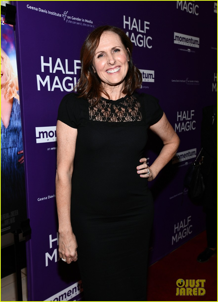 jenna fischer supports former co star anela kinsey at half magic premiere 03