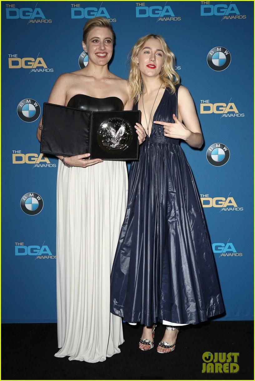 saoirse ronan honors director greta gerwig at dga awards 2018 084026783