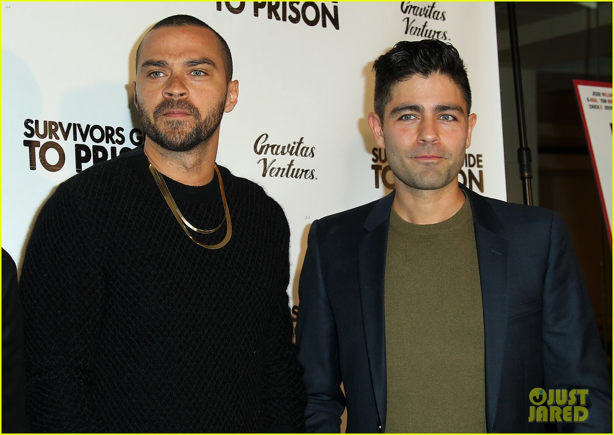 jesse williams adrian grenier buddy up at survivors guide to prison premiere 07