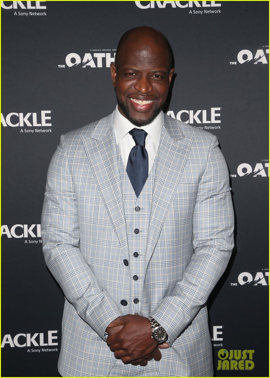 50 cent supports ryan kwanten the oath cast at l a premiere 15