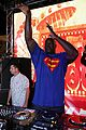 rob gronkowski goes shirtless for dance battle with shaq 06