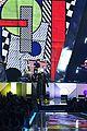 adam levine maroon 5 iheartradio music awards 2018 02