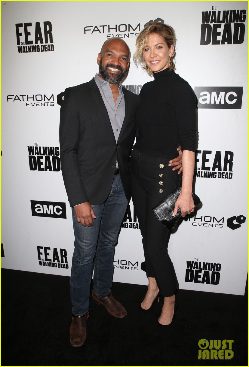 jenna elfman maggie grace more join forces at the walking deads survival sunday 09