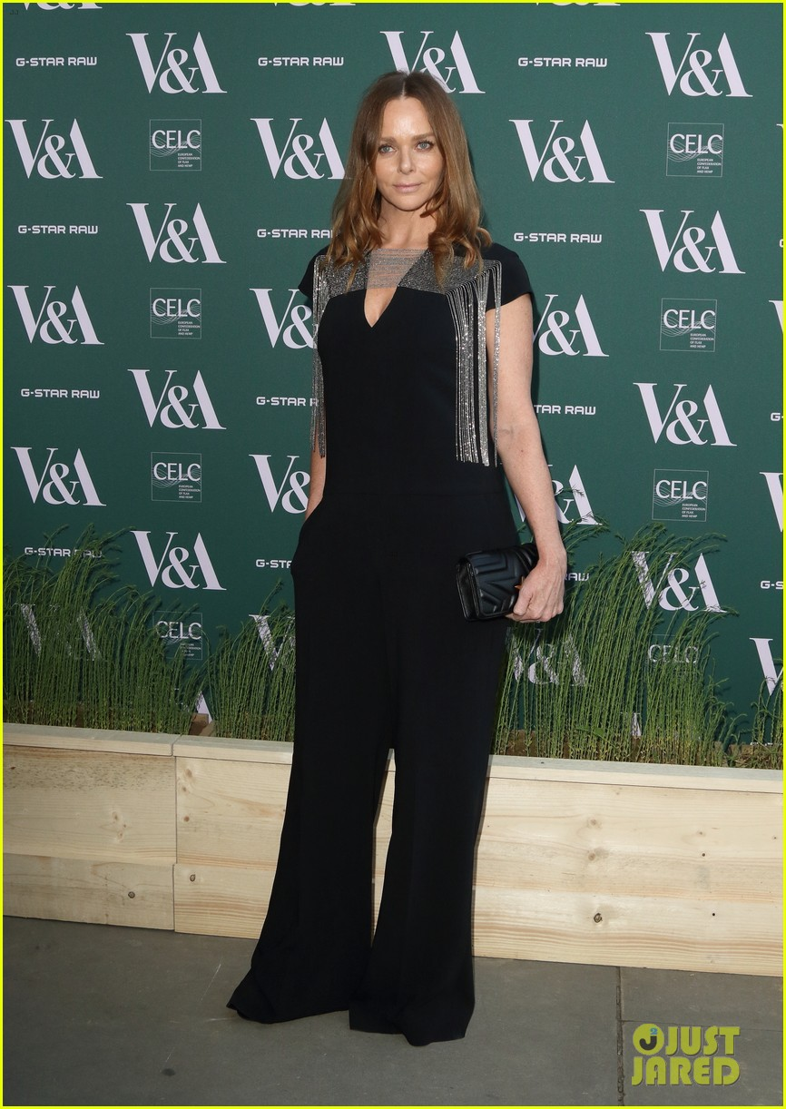 ellie goulding natalie imbruglia step out in style for va fashioned from nature vip preview 07