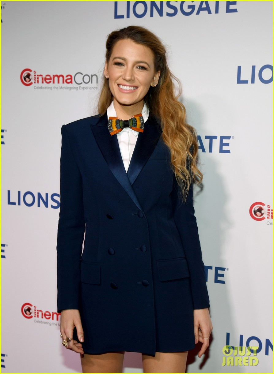 Blake Lively Anna Kendrick Go Glam For A Simple Favor Screening