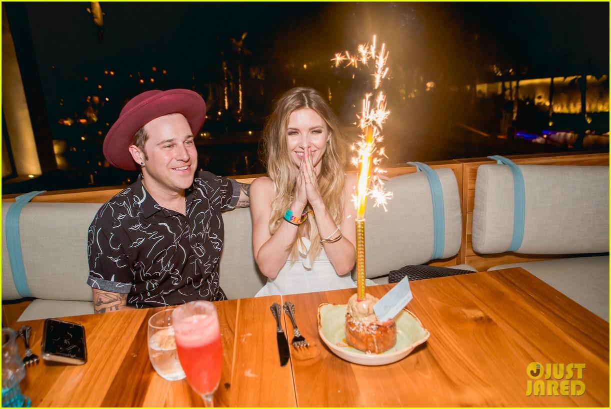audrina patridge celebrates birthday in cabo ryan cabrera 06