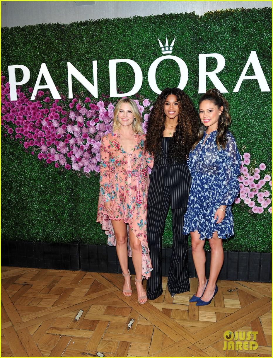 ciara celebrates pandora jewelrys mothers day collection with ali larter vanessa lachey 08