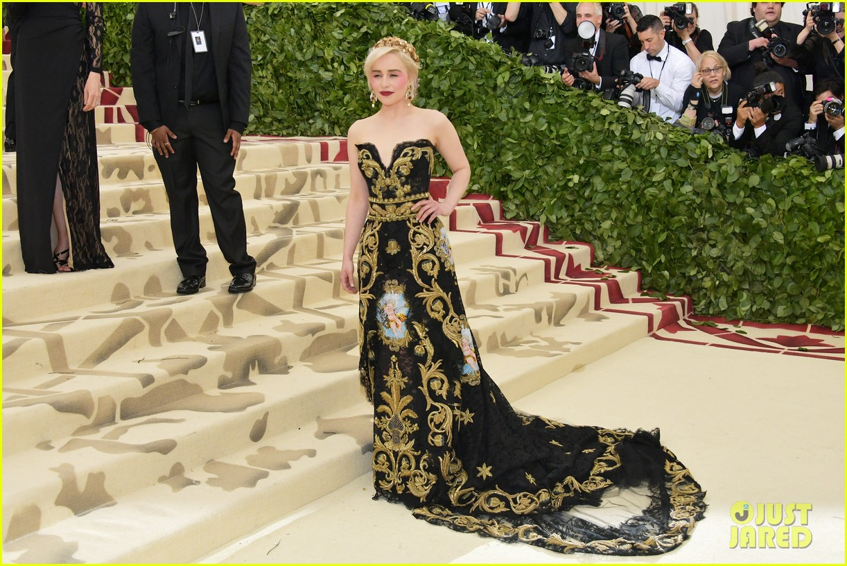 Emilia clarke strikes a pose on the red carpet at met gala 2018 emilia clarke strikes a pose on the red carpet at met gala 2018 photo 4078741 2018 met gala emilia clarke met gala pictures just jared m4hsunfo