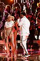 halsey performs alone with big sean on the voice finale 02