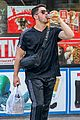 nick jonas shopping in nyc 05