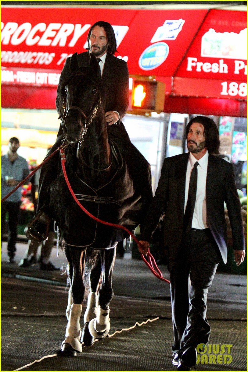 keanu reeves john wick 3 horse 014114675