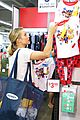 kristen bell goes back to school shopping 03