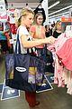 kristen bell goes back to school shopping 06