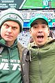 justin long and billy magnussen team up for new york jets football game04