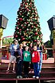 rachel bloom crazy ex girlfriend get festive at knotts berry farm 03
