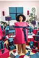 rashida jones yara shahidi star in tory burch holiday campaign 07