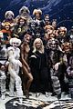 rebel wilson surprise visits cats cast in hollywood 02