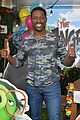 sterling k brown rachel bloom jason sudeikis step out angry birds 2 photo call 01