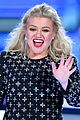 kelly clarkson surgery after billboard music awards 04
