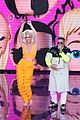 katy perry daddy yankee perform con calma on american idol finale 04