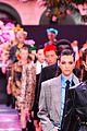 bella hadid gigi irina shayk stella maxwell versace show 11