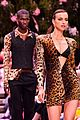bella hadid gigi irina shayk stella maxwell versace show 15