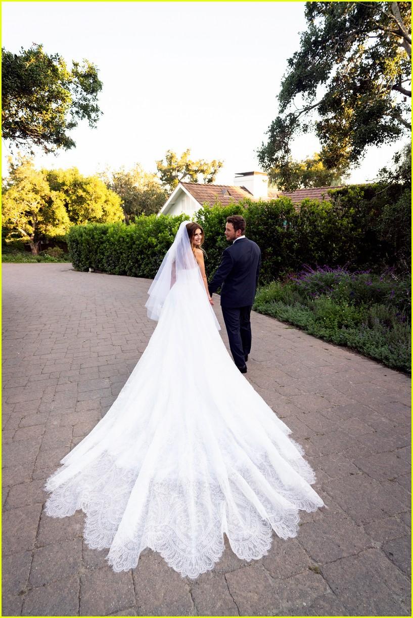 chris pratt katherine schwarzenegger more wedding photos 034307925