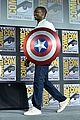 tom hiddleston jeremy renner marvel series at comic con 09
