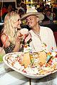 evan ross celebrates birthday with ashlee simpson ross in las vegas 11