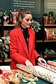 katie holmes brings holiday cheer at frederick wildman wines wrappy hour 09